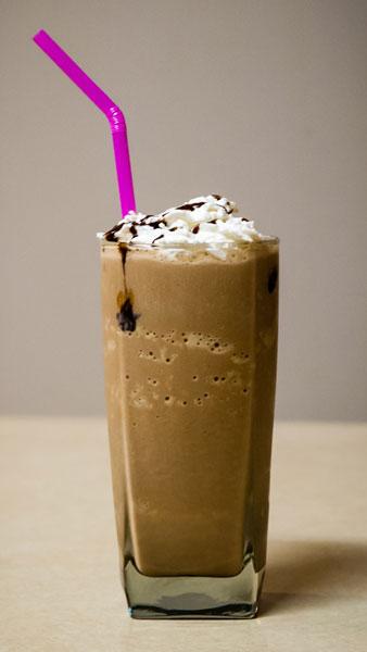 iced-mocha-straw
